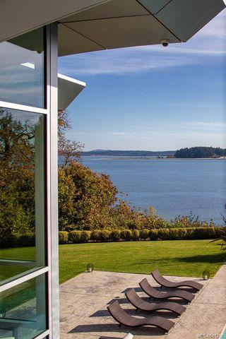 Photo 41: 8407 Lochside Dr in Central Saanich: CS Saanichton House for sale : MLS®# 841208
