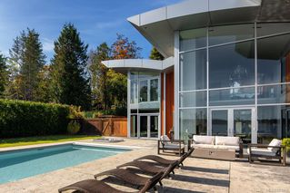 Photo 39: 8407 Lochside Dr in Central Saanich: CS Saanichton House for sale : MLS®# 841208