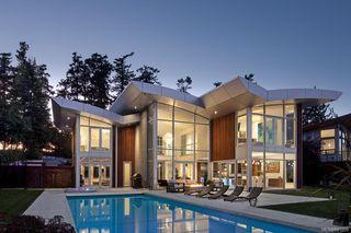 Photo 32: 8407 Lochside Dr in Central Saanich: CS Saanichton House for sale : MLS®# 841208