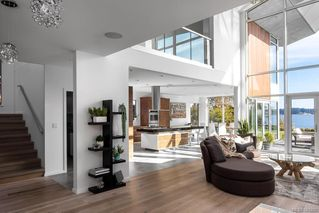 Photo 9: 8407 Lochside Dr in Central Saanich: CS Saanichton House for sale : MLS®# 841208