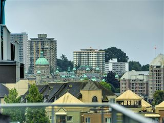 Photo 4: 802 379 Tyee Rd in Victoria: VW Victoria West Condo for sale (Victoria West)  : MLS®# 843962