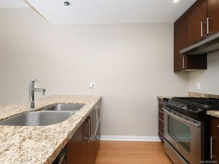 Photo 8: 802 379 Tyee Rd in Victoria: VW Victoria West Condo for sale (Victoria West)  : MLS®# 843962