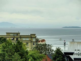 Photo 2: 802 379 Tyee Rd in Victoria: VW Victoria West Condo for sale (Victoria West)  : MLS®# 843962