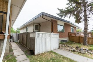 Photo 3: 6046 17A Street SE in Calgary: Ogden Semi Detached for sale : MLS®# A1025922