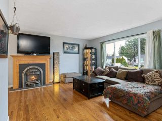 """Photo 3: 26737 32A Avenue in Langley: Aldergrove Langley House for sale in """"PARKSIDE"""" : MLS®# R2527463"""