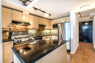 "Photo 3: 706 428 W 8TH Avenue in Vancouver: Mount Pleasant VW Condo for sale in ""XL LOFTS"" (Vancouver West)  : MLS®# R2409662"
