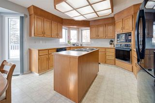Photo 10: 142 HEALY Road in Edmonton: Zone 14 House for sale : MLS®# E4179304
