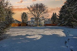 Photo 2: 142 HEALY Road in Edmonton: Zone 14 House for sale : MLS®# E4179304