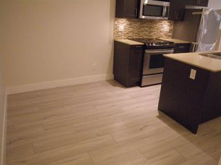 """Photo 7: 122 3382 VIEWMOUNT Drive in Port Moody: Port Moody Centre Townhouse for sale in """"LILIUM VILLAS"""" : MLS®# R2465147"""