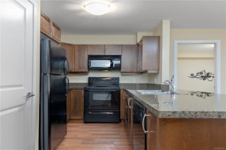 Photo 3: 205 297 E Hirst Ave in : PQ Parksville Condo for sale (Parksville/Qualicum)  : MLS®# 862380