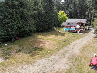 Photo 3: 4240 Trans Canada Hwy in SHAWNIGAN LAKE: ML Cobble Hill Single Family Detached for sale (Malahat & Area)  : MLS®# 739832