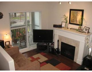 Photo 3: 309 4468 ALBERT Street: Vancouver Heights Home for sale ()  : MLS®# V707868