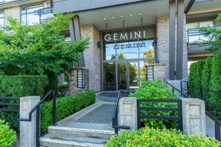 "Photo 1: 310 15336 17A Avenue in Surrey: King George Corridor Condo for sale in ""Gemini II"" (South Surrey White Rock)  : MLS®# R2407903"