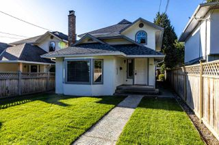 Photo 1: 1941 LARSON Road in North Vancouver: Central Lonsdale House for sale : MLS®# R2409928