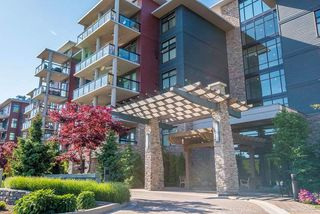 "Photo 1: 302 5055 SPRINGS Boulevard in Delta: Condo for sale in ""TSAWWASSEN SPRINGS"" (Tsawwassen)  : MLS®# R2315587"