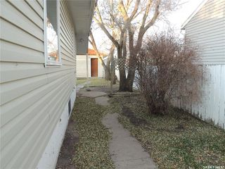 Photo 3: 925 Albert Street in Estevan: Hillside Residential for sale : MLS®# SK826348