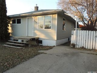 Photo 2: 925 Albert Street in Estevan: Hillside Residential for sale : MLS®# SK826348