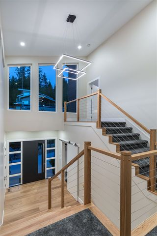 """Photo 3: 1510 CRYSTAL CREEK Drive in Port Moody: Anmore House for sale in """"CRYSTAL CREEK"""" : MLS®# R2498513"""