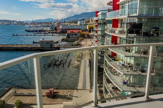 "Photo 25: 701 199 VICTORY SHIP Way in North Vancouver: Lower Lonsdale Condo for sale in ""TROPHY AT THE PIER"" : MLS®# R2509292"