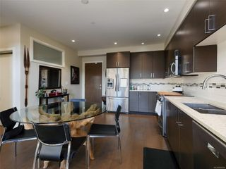 Photo 6: 405 4000 Shelbourne St in : SE Mt Doug Condo for sale (Saanich East)  : MLS®# 862654