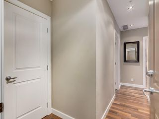 Photo 4: 703 1110 3 Avenue NW in Calgary: Hillhurst Apartment for sale : MLS®# C4268396
