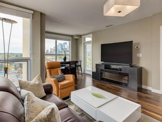 Photo 7: 703 1110 3 Avenue NW in Calgary: Hillhurst Apartment for sale : MLS®# C4268396