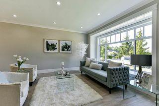 Photo 3: 16710 26 Avenue in Surrey: Grandview Surrey House 1/2 Duplex for sale (South Surrey White Rock)  : MLS®# R2423505