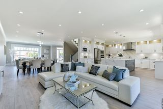 Photo 4: 16710 26 Avenue in Surrey: Grandview Surrey House 1/2 Duplex for sale (South Surrey White Rock)  : MLS®# R2423505