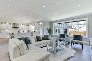Photo 7: 16710 26 Avenue in Surrey: Grandview Surrey House 1/2 Duplex for sale (South Surrey White Rock)  : MLS®# R2423505