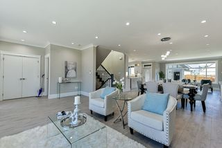 Photo 9: 16710 26 Avenue in Surrey: Grandview Surrey House 1/2 Duplex for sale (South Surrey White Rock)  : MLS®# R2423505