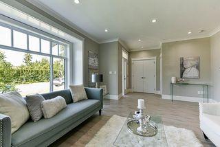 Photo 2: 16710 26 Avenue in Surrey: Grandview Surrey House 1/2 Duplex for sale (South Surrey White Rock)  : MLS®# R2423505