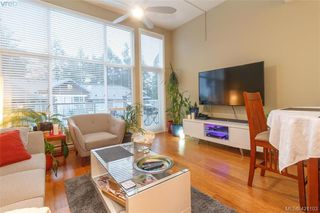 Photo 2: 403 611 Goldstream Ave in VICTORIA: La Fairway Condo for sale (Langford)  : MLS®# 833442