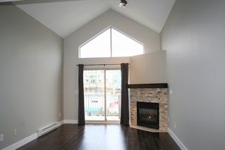 "Photo 7: 403 33478 ROBERTS Avenue in Abbotsford: Central Abbotsford Condo for sale in ""Aspen Creek"" : MLS®# R2447694"