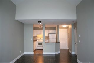 "Photo 5: 403 33478 ROBERTS Avenue in Abbotsford: Central Abbotsford Condo for sale in ""Aspen Creek"" : MLS®# R2447694"