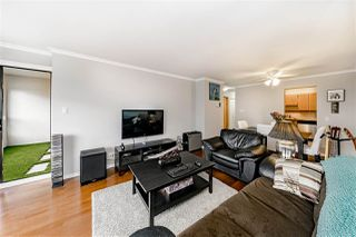Photo 4: 1104 615 BELMONT STREET in : Uptown NW Condo for sale : MLS®# R2416165