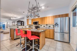"""Photo 3: 17 2000 PANORAMA Drive in Port Moody: Heritage Woods PM Townhouse for sale in """"Mountains Edge"""" : MLS®# R2477413"""