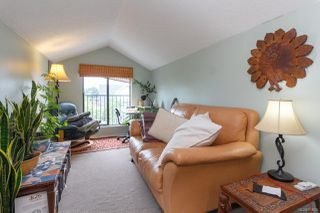 Photo 10: 547 E Burnside Rd in : Vi Burnside Triplex for sale (Victoria)  : MLS®# 854620