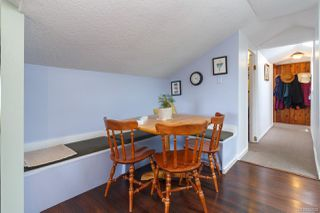 Photo 4: 547 E Burnside Rd in : Vi Burnside Triplex for sale (Victoria)  : MLS®# 854620