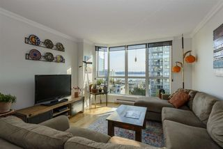 "Photo 7: 501 125 W 2ND Street in North Vancouver: Lower Lonsdale Condo for sale in ""SAILVIEW"" : MLS®# R2501312"