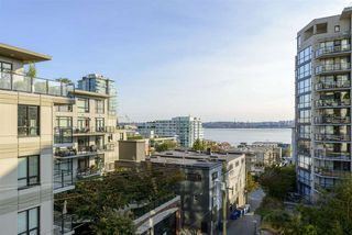 "Photo 2: 501 125 W 2ND Street in North Vancouver: Lower Lonsdale Condo for sale in ""SAILVIEW"" : MLS®# R2501312"