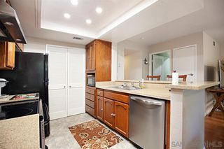Photo 8: UNIVERSITY HEIGHTS Condo for sale : 2 bedrooms : 4666 MISSION AVE #5 in San Diego