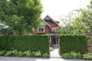 Photo 2: 1834 E 6TH Avenue in Vancouver: Grandview Woodland House 1/2 Duplex for sale (Vancouver East)  : MLS®# R2402830