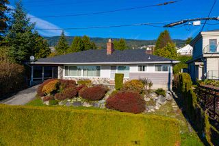 Main Photo: 1525 KINGS Avenue in West Vancouver: Ambleside House for sale : MLS®# R2422500