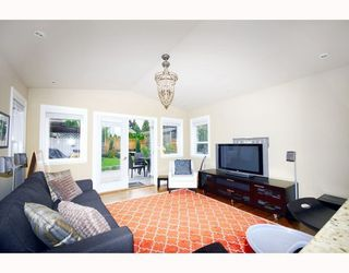 Photo 5: 2310 MAHON Ave in North Vancouver: Home for sale : MLS®# V790102