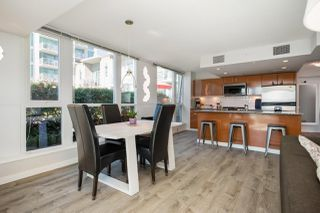 """Photo 14: 305 188 E ESPLANADE in North Vancouver: Lower Lonsdale Townhouse for sale in """"Esplanade at the Pier"""" : MLS®# R2457175"""