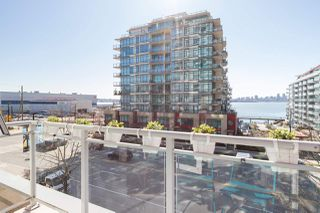 """Photo 27: 305 188 E ESPLANADE in North Vancouver: Lower Lonsdale Townhouse for sale in """"Esplanade at the Pier"""" : MLS®# R2457175"""