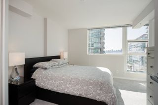 """Photo 15: 305 188 E ESPLANADE in North Vancouver: Lower Lonsdale Townhouse for sale in """"Esplanade at the Pier"""" : MLS®# R2457175"""