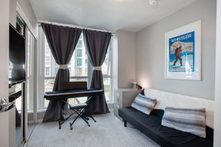 """Photo 20: 305 188 E ESPLANADE in North Vancouver: Lower Lonsdale Townhouse for sale in """"Esplanade at the Pier"""" : MLS®# R2457175"""