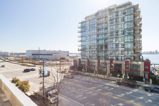 """Photo 28: 305 188 E ESPLANADE in North Vancouver: Lower Lonsdale Townhouse for sale in """"Esplanade at the Pier"""" : MLS®# R2457175"""