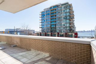 """Photo 25: 305 188 E ESPLANADE in North Vancouver: Lower Lonsdale Townhouse for sale in """"Esplanade at the Pier"""" : MLS®# R2457175"""